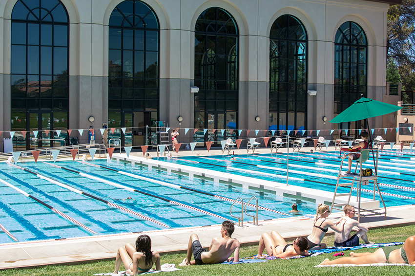 Stanford Swimming Pool Flashes Of Delight