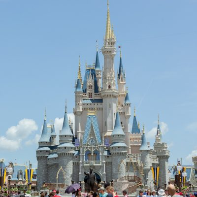 10 Must Pack Items For A Day At Disney World